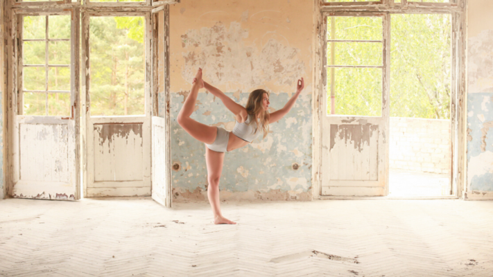 Yoga und Poledance Klaudia Poledancr