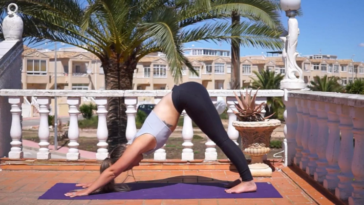 Yoga Flow für Poledancer Klaudia Titelbild